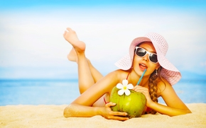 menina, humor, chapéu, óculos, coco, beber, flor, mar, areia, praia, verão