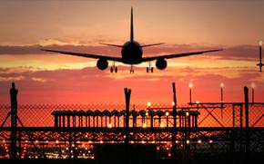 фотокартина, печать на холсте на заказ Украина ArtHolst Посадка, МС-21, самолёт, аэропорт, авиация, небо, вечер, закат