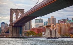 Brooklyn Bridge, East River, Manhattan, New York City, Бруклинский мост, Ист-Ривер, Манхэттен, Нью-Йорк, мост, пролив, здания, парусник