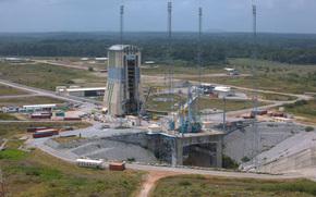 Космодром, стартовая площадка, ЕКА, ESA, наука, техника, лес, природа, дорога, космос, Земля