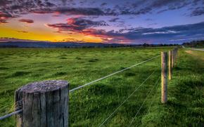 закат, поле, забор, дорога, пейзаж