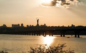 tarde, puente, río, Dnieper, Kiev, Ucrania, estatua, patria, ciudad, casa, navegar, cielo, nubes