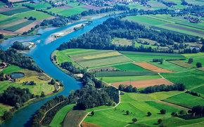 дома, деревья, поля, вид с верху, река