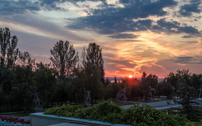 Mamaev Kurgan, statue, Volgograd, Russia, monument, ussr, city, sky, twilight, trees