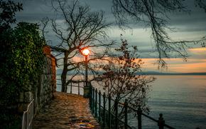 Береговая линия эспланада в Опатии, Kroatia, вечер, закат, пейзаж