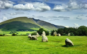 Castlerigg Stone Circle, Inglaterra, Reino Unido, Hills, campo, piedras, árboles, paisaje