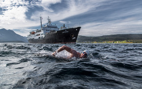 Lewis Pugh, MS Lofoten, Rystraumen, Troms, norway, Strait Ryustrёumen, Troms, Norway, swimmer, SWIM, ship