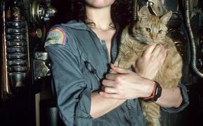 Sigourney Weaver, Alien, cat