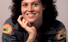 Sigourney Weaver, Étranger, Ripley