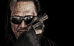 muzhik, face, glasses, revolver, weapon, hand
