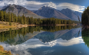 Johnson Lake, Canadian Rockies, Banff National Park, Alberta, Canada, Lake Johnson, Canadian Rockies, Banff National Park, Banff, Alberta, Canada, lake, Mountains, forest, reflection