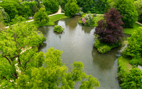 Prince Pückler Park in Bad Muskau, the largest English landscape park in Central Europe, occupies 545 acres in the Upper Lusatia on the border between Germany and Poland