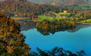 Lake District National Park, See Grasmere, Grasmere Dorf, Helm-Felsspitze, Cumbria, england, Lake District, See Grasmere, Grasmere Dorf, Cumbria, England, Herbst, See, Insel, Dorf, feldy, Hills