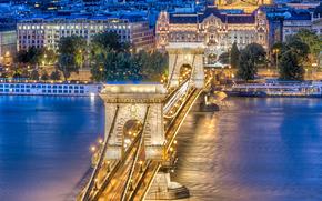 Chain Bridge at dusk, Budapest, Hungary