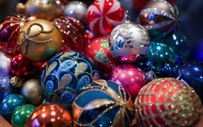 Capodanno, giocattoli sull'albero di Natale, Palloncini, decorazione