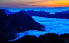 Mar de Nubes, vista desde el rociador superior, Parque Monte Rainier, puesta del sol, paisaje