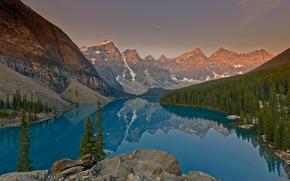 salida del sol, Lago Moraine, Parque Nacional Banff