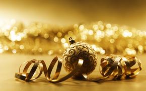 новый год, елочные игрушки, шарики, позолота, золото, боке, праздник, блеск, серпантин