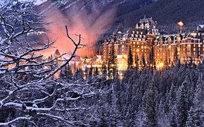 Banff Springs Hotel, Banff National Park, Banff, Alberta, Canada, отель Банф Спрингс, Национальный парк Банф, Банф, Альберта, Канада, отель, здание, лес, деревья, ветки