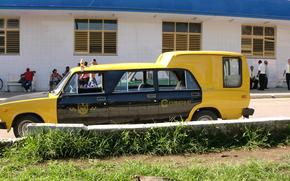 Lada, LADA, limousine, car, machine, taxi, Cuba, journey, road, building, people, windows, bike, bench