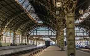 весна, Витебский вокзал, перрон, Санкт-Петербург, Ленинград, Питер, поезд, вагоны, часы, архитектура, город