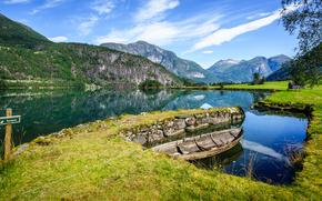 Svoragrova, Stryn, Sogn og Fjordane, norvegia, Stryn, Sogn og Fjordane, Norvegia, Montagne, fiordo, acqua, imbarcazione