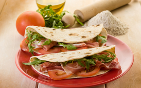 блины с мясом, еда, томаты, зелень, вредно, жирно