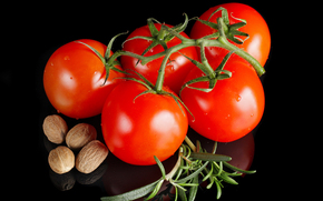 table, tomatoes, nuts