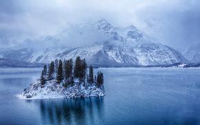 Kananaskis isla lago superior, Montañas, invierno, isla, paisaje
