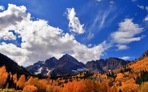 Góry, niebo, chmury, jesień, las
