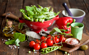 tomatoes, Cherry, pepper, peas, olives, oil, crockery
