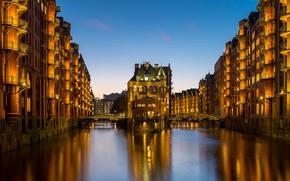Speicherstadt, Amburgo, Germania, Speicherstadt, Amburgo, Germania, la vita notturna della città, Canali, costruzione, ponti