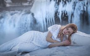 chica, modelo, vestir, Islandia, cascada, hielo, invierno, helada
