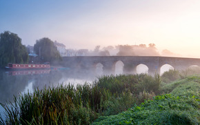 Mattina sul fiume Avon, nebbia, ponte, paesaggio