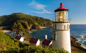 Heceta Head Light is a lighthouse, Oregon Coast, пейзаж