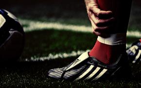 Sports, Macro, футбольные обои, футболисты, стивен джеррард, ливерпуль, grass, мячи