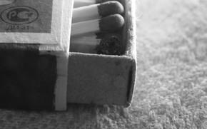 спички, ковёр, чёрно-белое