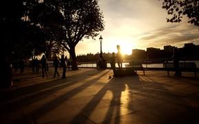 citt, strada, terrapieno, persone, passanti, Panche, sera, tramonto, raggi, casa, edificio, High-edifici, foto, immagine, carta da parati